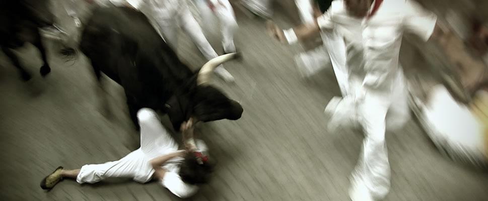ENCIERRO: BULL RUNNING IN PAMPLONA (Versión : Español / Subtítulos : Sin subtítulos)
